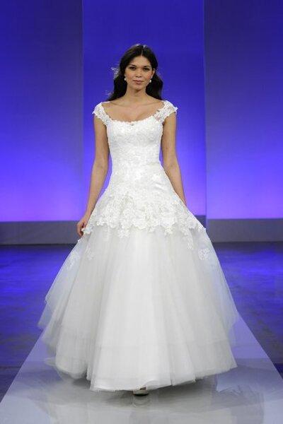 Lace wedding dress 2013