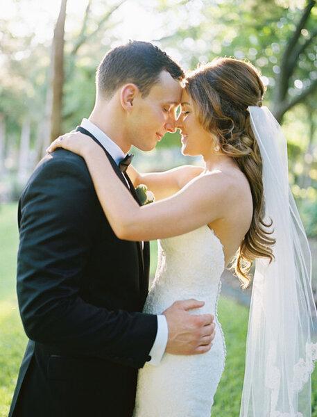 insprate en los mejores peinados de novia con velo y luce uno de ellos el da de tu boda