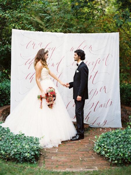Caligrafía en tela para bodas.