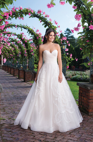 Style 3910, Sincerity Bridal.