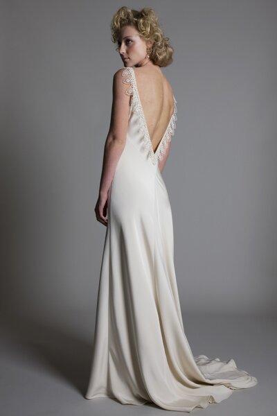 Suknia ślubna z kolekcji Halfpenny London 2014