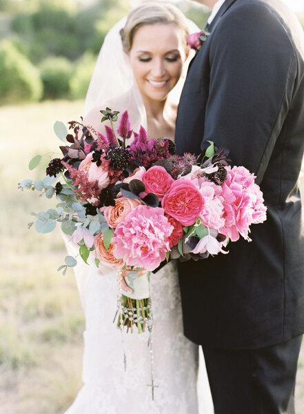 Ramos de novia de color rosa.