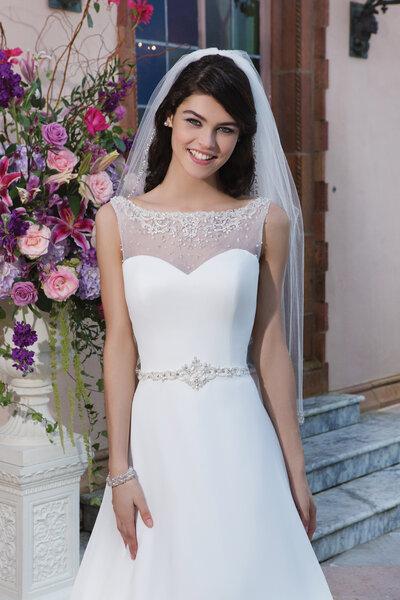 Brautkleid aus der Kollektion 2015 von Sincerity Bridal, 3827.