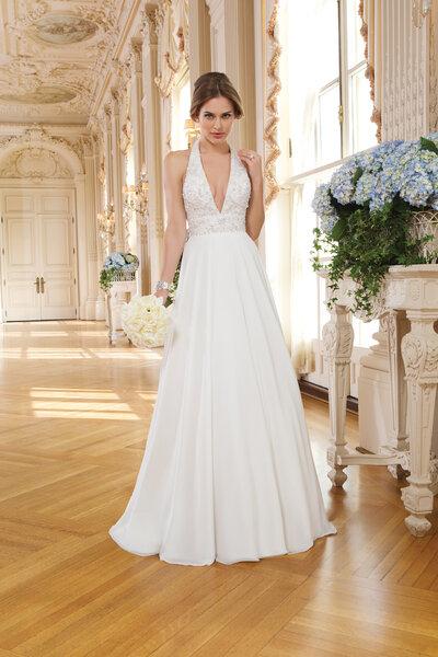 Brautkleid aus der Kollektion 2015 von Lillian West, 6352.