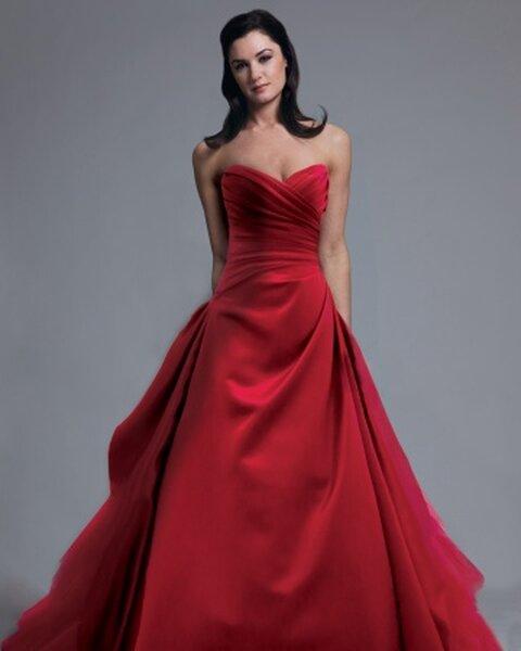 Suknia ślubna z kolekcji Modern Trousseau, kolekcja na wiosnę 2013