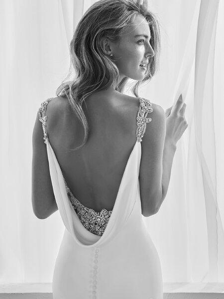 Abiti da sposa scollati sulla schiena