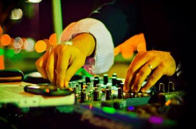 4 vantagens de optar por música ao vivo na sua festa de casamento
