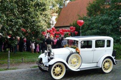 Hochzeitsautos in Berlin - hier kommt die Braut