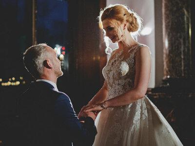 Sesja stylizowana i...prawdziwe zaręczyny Pięknej i Bestii. Niezwykła historia cudownej miłości!