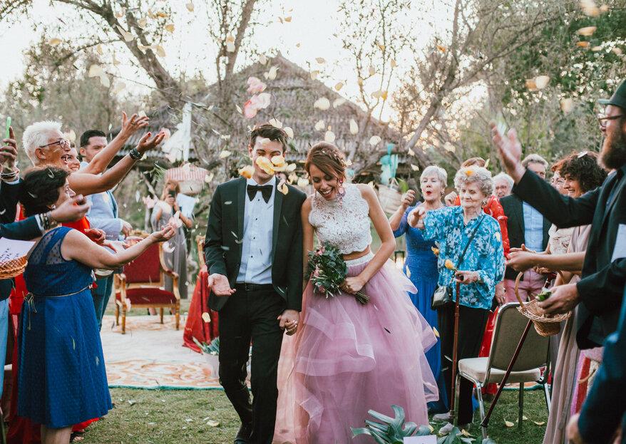 Tres días de celebración alejados de protocolos: la boda de Isabel y Lorenzo
