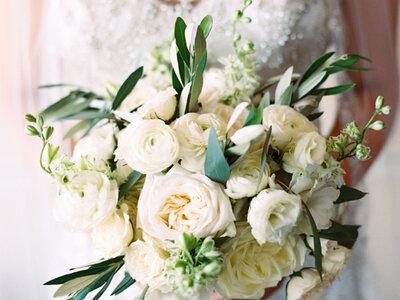 Finden Sie den Brautstrauß für Ihre Traumhochzeit – Große Auswahl an Farben, Stilen & Details