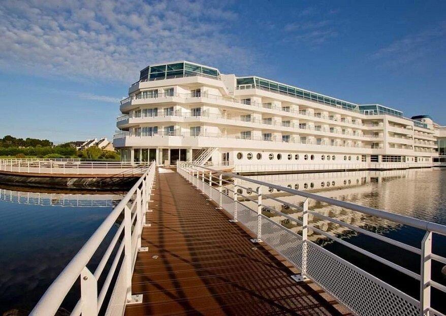 Architecture insolite et vue sur mer : mariez-vous au Miramar La Cigale à proximité de Vannes