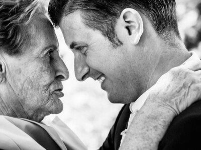 Dia dos Avós: 7 motivos pelos quais eles devem ter um papel de destaque no vosso casamento!