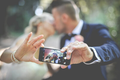 Add some unique photo fun to your 2016 wedding reception and capture every romantic moment!