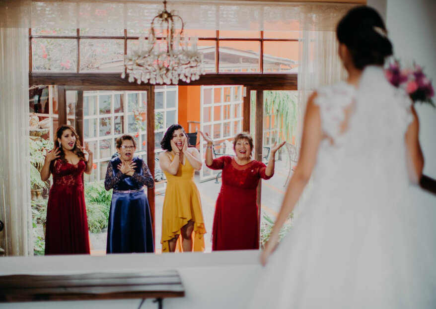 Evita que tu mamá se estrese de más por la boda: engríela y atiéndela, ¡se lo merece!