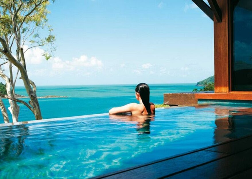 Marzysz o miesiącu miodowym w Australii? Odkryj z naszym specjalnym korespondentem archipelag magicznych Whitsundays!