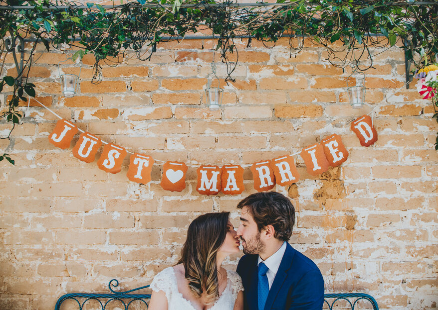 Decorare il matrimonio con bandierine e coccarde: tante idee deliziose e originali!