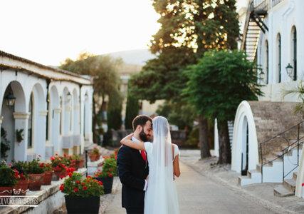"""Una boda juvenil y elegante al sur de Andalucía: el """"sí, quiero"""" de Delia y Jesús"""