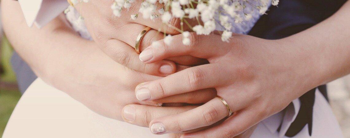 7 materiales para hacer tus argollas de boda, ¡elige el que mejor te identifique!