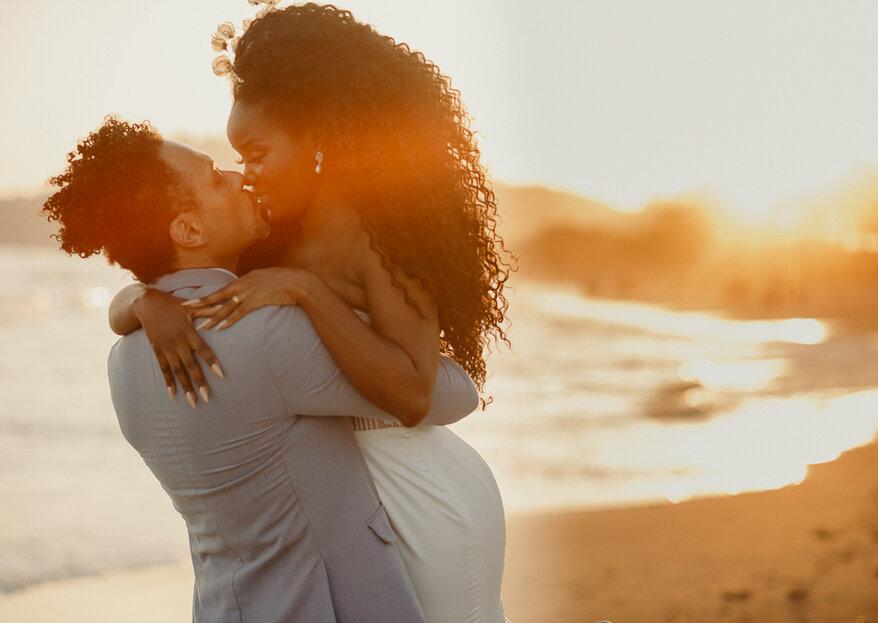 Gisele & Thyago: Elopement wedding pé na areia no litoral norte de São Paulo cheio de emoção e personalidade