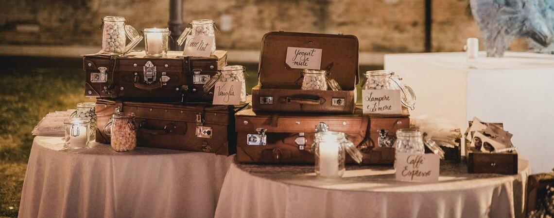 Barattoli per le decorazioni del tuo matrimonio: un tocco rustico che non guasta