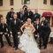 Szalone zdjęcia ślubne: Panna Młoda przyjmuje śmieszną pozę, Foto: Robb Davidson
