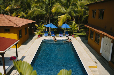 Marce + Jorge: Un amor al natural en Playa Larga, Ixtapa... ¡La boda ideal!