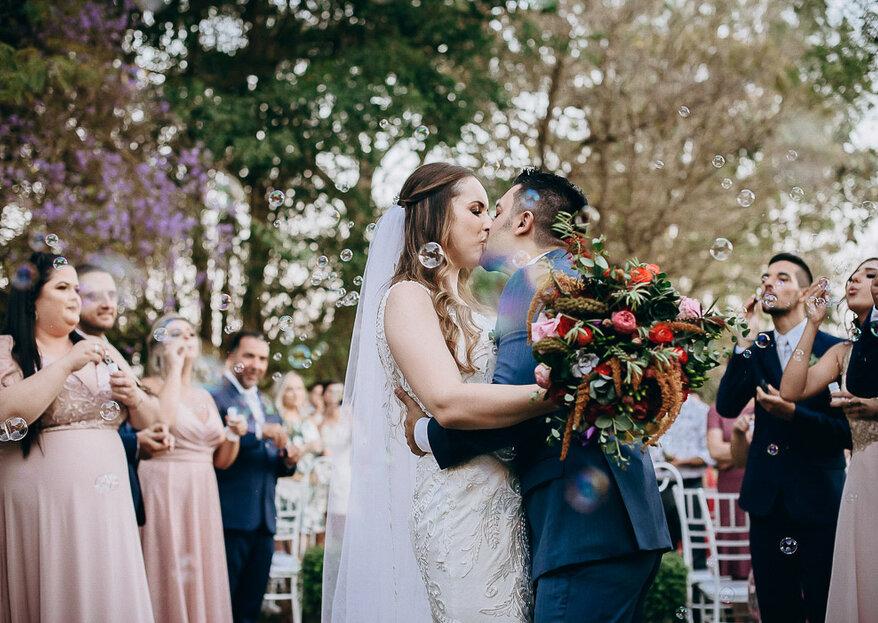 Jaqueline & Rafael: Casamento em meio à natureza do jeito que os noivos sempre sonharam e com decoração linda da Flor Brasileira