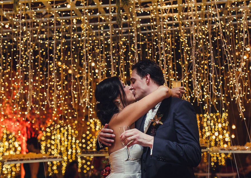 Joana & Pierre-Guillaume: lindo casamento com decoração inspiradora by Renata Paraiso e cheio de bossa no Lago Buriti