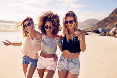 Sapevi che il colore dei vestiti che indossi influisce sul tuo umore?