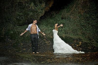 Impresionante sesión 'trash-the-dress' bajo una cascada