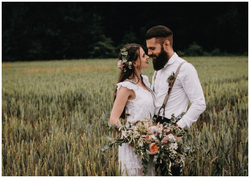 Natürliches Paarshooting im Wald mit Christine Sauer Photography: ursprünglich und voller Gefühl!