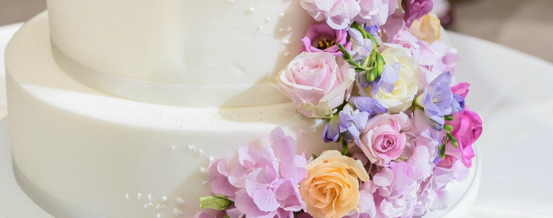 ¿Cuánto puede costar tu pastel de bodas? ¡Una idea de lo que invertirás en tu torta de matrimonio!