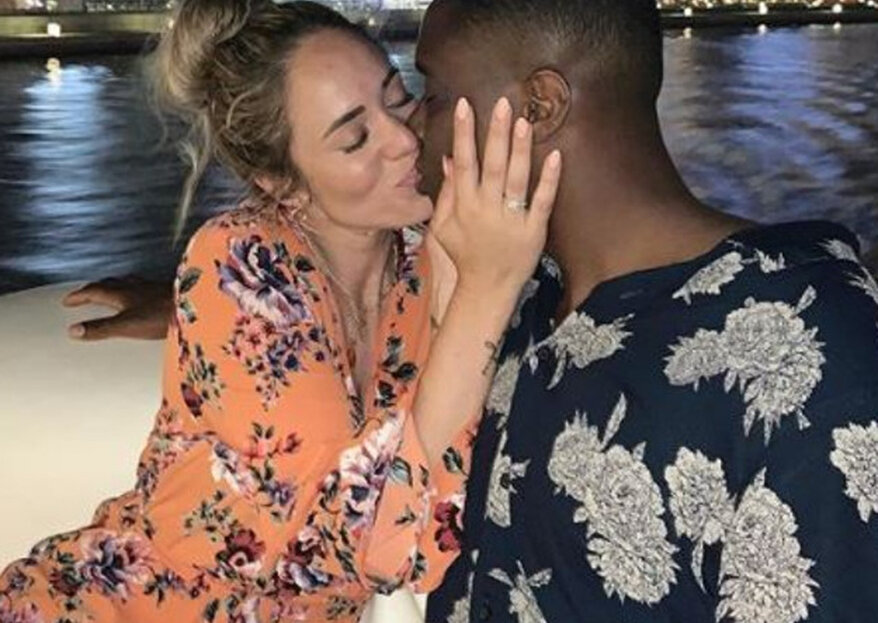 Vlogger Nienke Plas en haar Resley zijn verloofd!