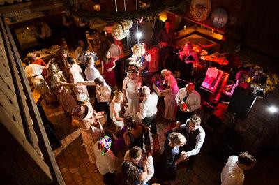 Dale a tu boda un toque de originalidad y distinción con DiscoAstur, ¡diversión asegurada!