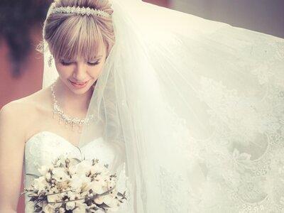 Reisen Sie durch 100 Jahre Brautmode in nur drei Minuten!
