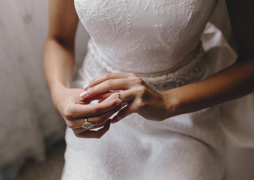 Attenzione! Ecco le 6 situazioni in cui dovresti togliere la fede e l'anello di fidanzamento