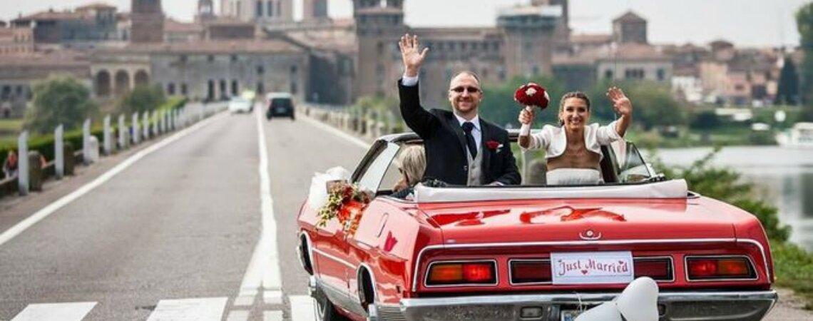 Chegando em alto estilo ao seu casamento: alugue um carro diferente!