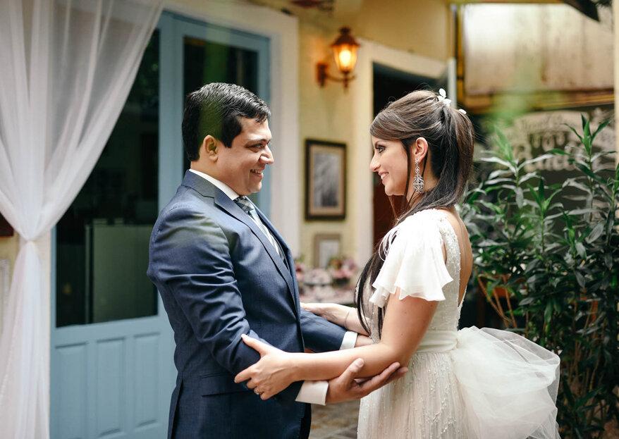 Casamento clássico de Rachel & Tiago: celebrado no clima íntimo de um bistrô francês!