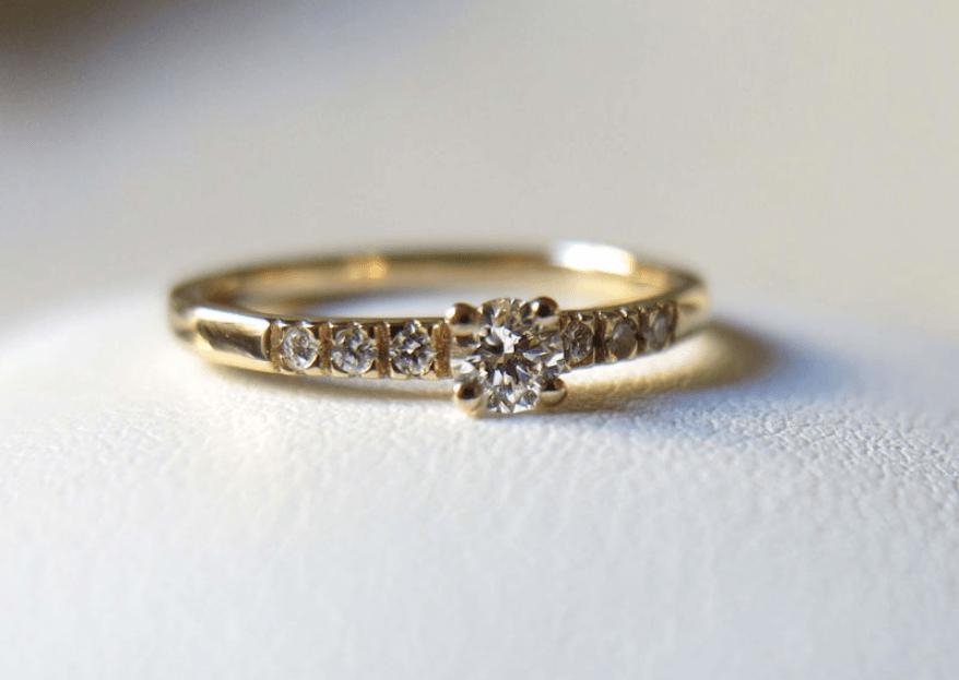 Bague de fiançailles : doit-il s'agir d'une surprise ?