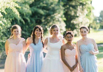 Demoiselles d'honneur, voici 10 choses que la mariée peut vous demander et que vous ne pouvez pas refuser