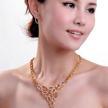 Collane originali per la sposa