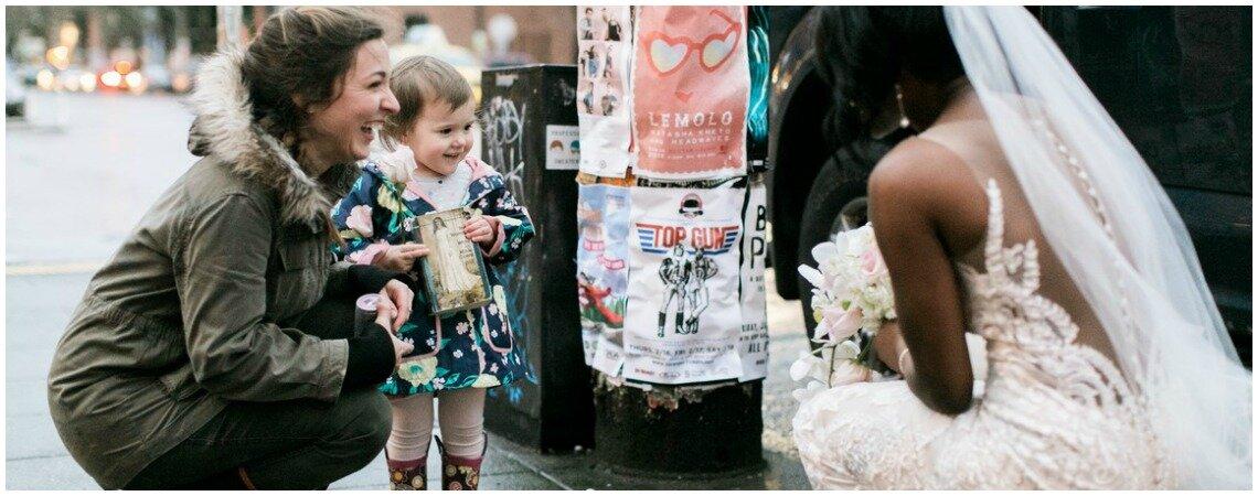Cette adorable petite fille qui a confondu une mariée avec une princesse va vous émouvoir !