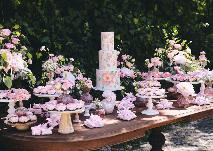 Oficina da Flor - Forminhas & Lembranças: um doce casamento ilustrado com apontamentos de flor, cor e arte