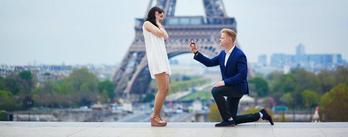Cómo pedirle la mano a tu pareja según su signo del Zodiaco