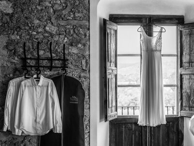 Seis motivos por los que tener un segundo vestido de novia para el día de tu matrimonio