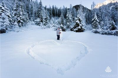 Winterliche Hochzeits-Romantik: Angela und Zane erneuerten ihr Ehegelübte in Österreich