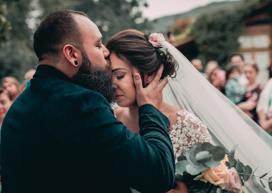 Casamento ao ar livre de Aline & Rodrigo: repleto de amor e romance, com direito ao primeiro beijo do casal na cerimônia!