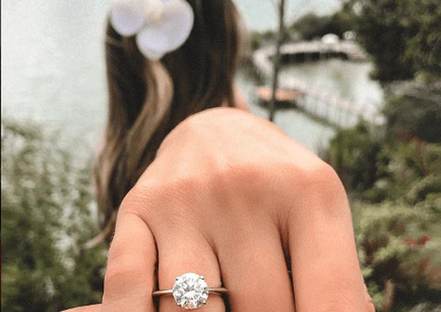 "Thássia Naves aceita pedido de casamento: ""mil vezes sim!"""