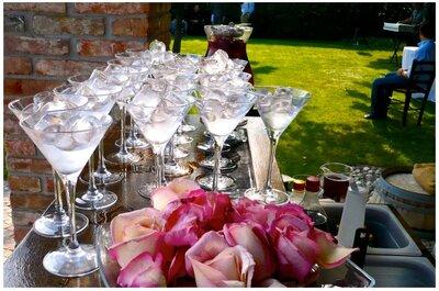 Drinkable - berebeneovunque: 1/3 di mixology, 1/3 di glamour, 1/3 di passione. Mescolare, guarnire e servire in una coppa Martini!
